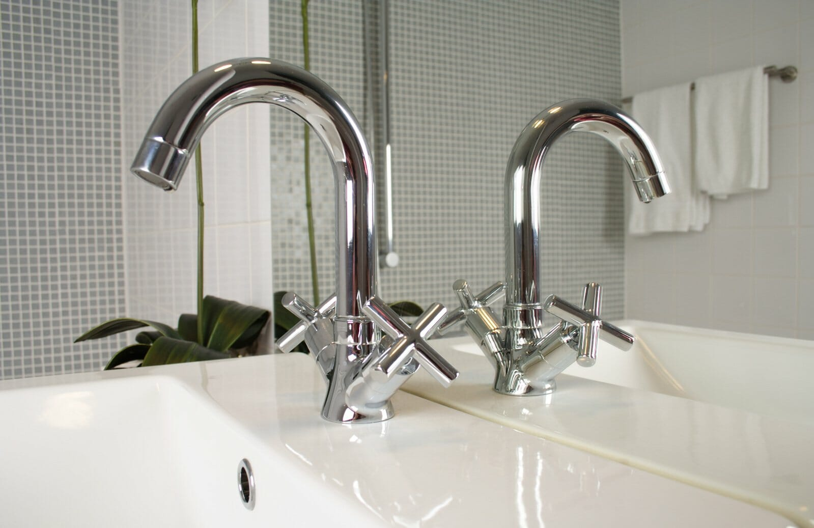When You\'re Showering Does Water Come From Your Bathtub Faucet?