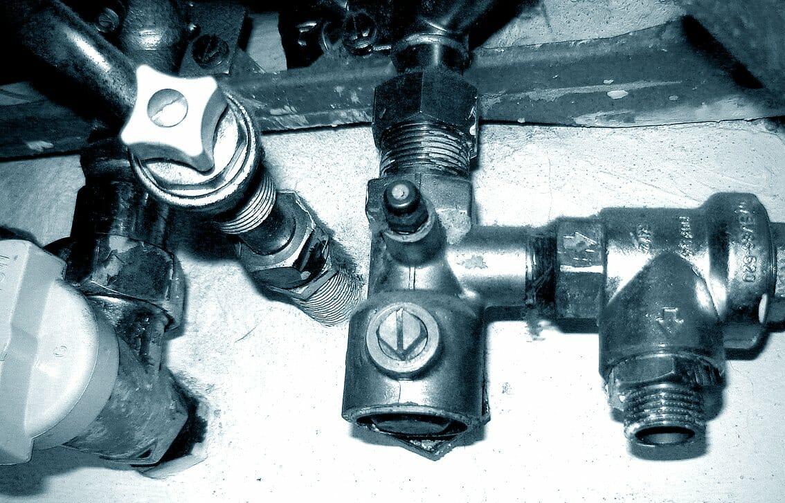 4 Reasons Why Your Plumbing is Leaking. Plumbers, Plumbing Service ...
