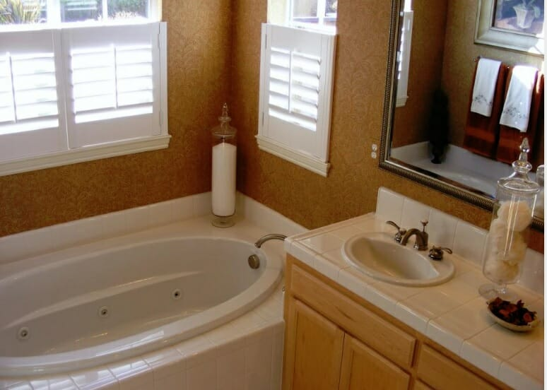 4 Common Bathroom Plumbing Problems. Plumbers, Plumbing ...